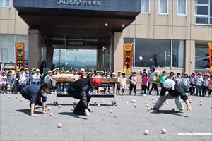 青パト(青色回転灯装備車両)の出発式があったのー☆!!美郷幼稚園児めんごがった!!