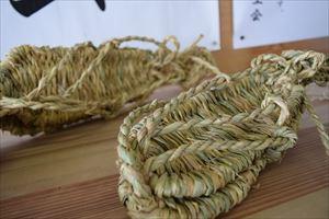 川西町犬川地区で行われてる「わら細工」ってどんな風に作られてるか話を伺ったっし!!